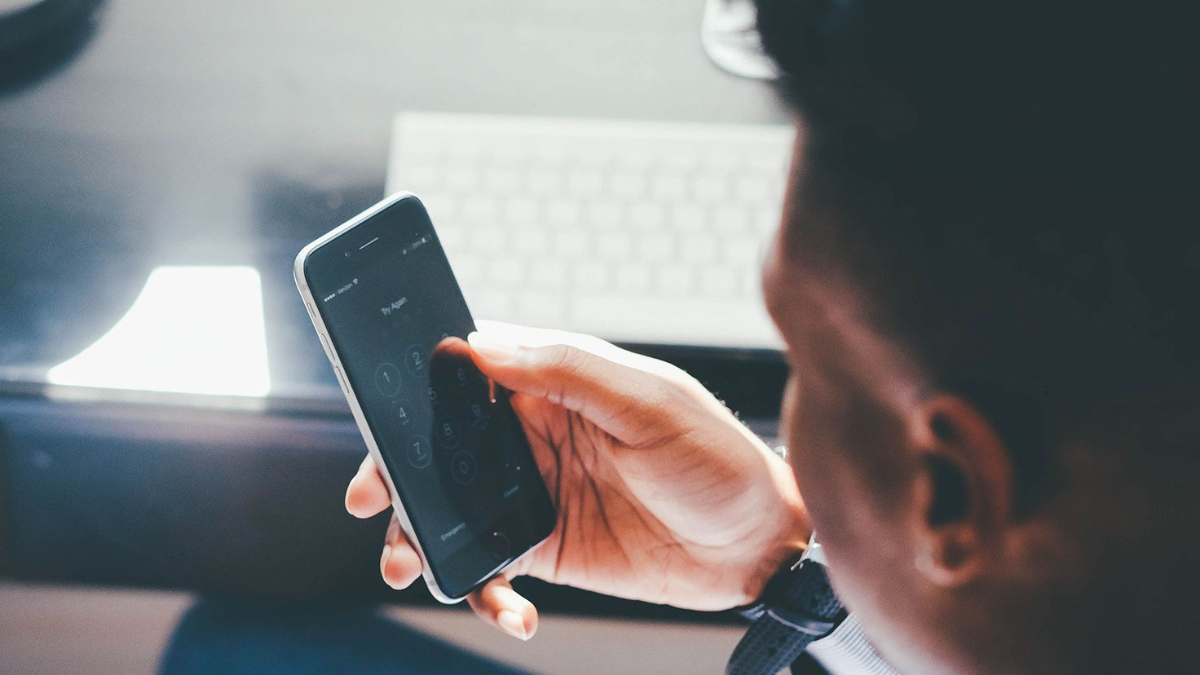 Mobile Social Messaging Apps